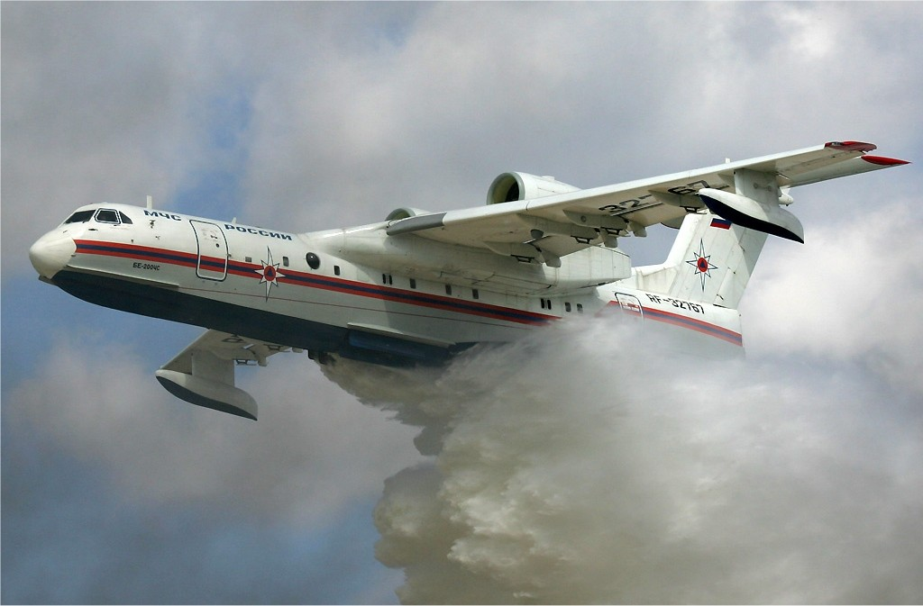 MChS_Beriev_Be-200_waterbomber